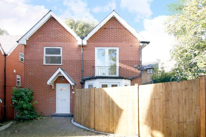 3 Bedrooms House for sale in Panmure Road, Sydenham, London, SE26 6NB