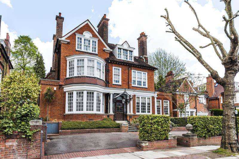 6 Bedrooms Detached House for sale in Ferncroft Avenue, Hampstead