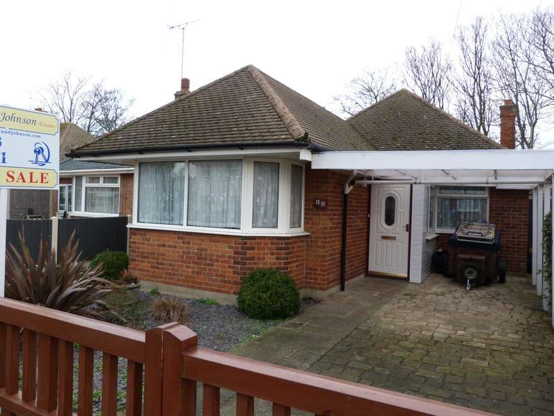 3 Bedrooms Detached Bungalow for sale in St. James Avenue, Broadstairs