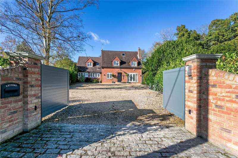 4 Bedrooms Detached House for sale in Horsleys Green, High Wycombe, Buckinghamshire, HP14