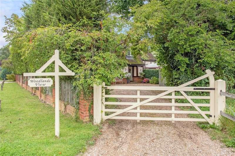 4 Bedrooms Detached House for sale in West Hall, Parvis Road, West Byfleet, Surrey, KT14
