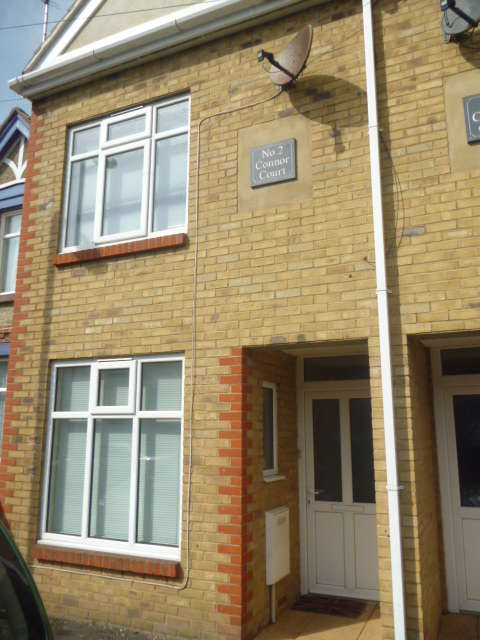2 Bedrooms House for rent in St Georges Road, Cheriton, CT19