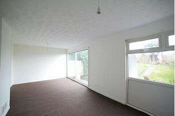 3 Bedrooms Terraced House for rent in Kirkhill Walk, Moston, M40