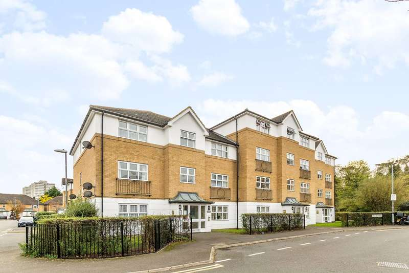 1 Bedroom Flat for sale in Hillary Drive, Isleworth, TW7