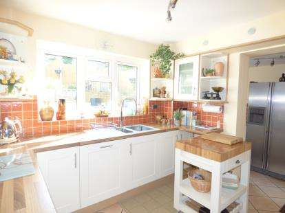 3 Bedrooms Detached House for sale in Horndean, Waterlooville, Hampshire