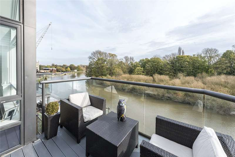 3 Bedrooms Flat for sale in Riverside Mill House, Church Street, Old Isleworth, TW7