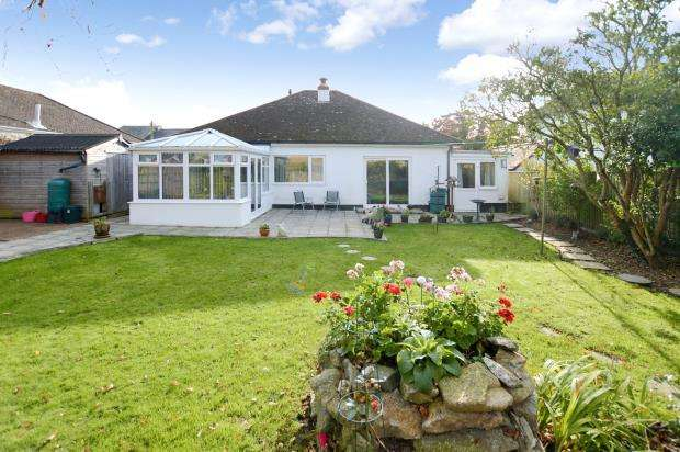 3 Bedrooms Detached Bungalow for sale in Mile End Road, Newton Abbot, Devon
