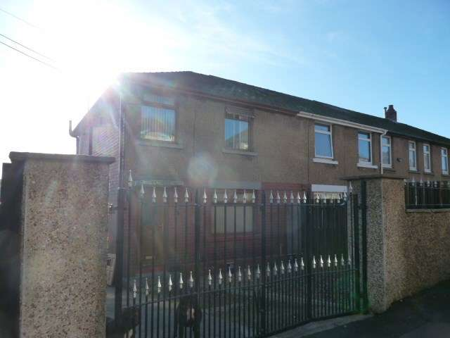 3 Bedrooms Semi Detached House for sale in Hillrise, Abersychan, Pontypool, NP4