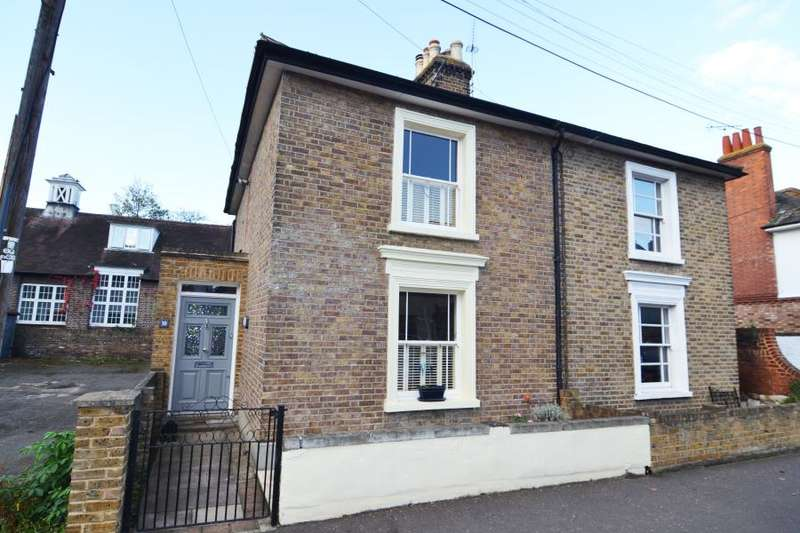 3 Bedrooms Semi Detached House for sale in St Johns Road, Hampton Wick, KT1