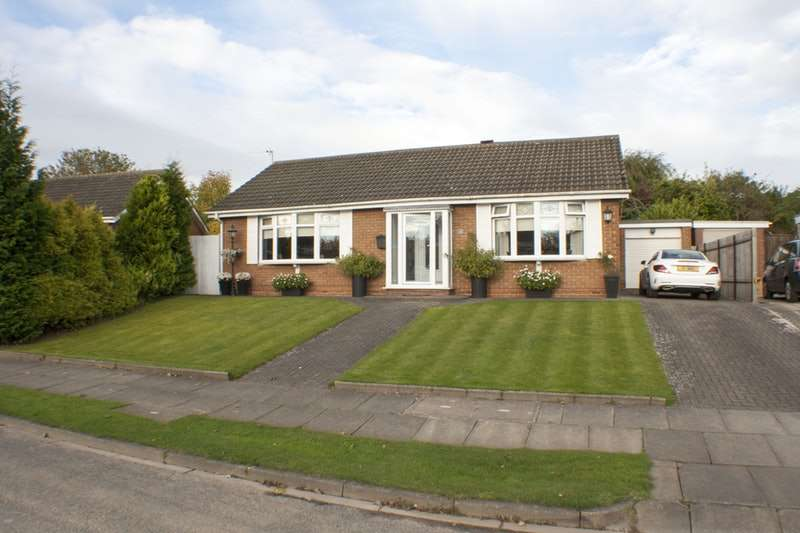 2 Bedrooms Bungalow for sale in Valley Drive, Hartlepool, County Durham, TS26