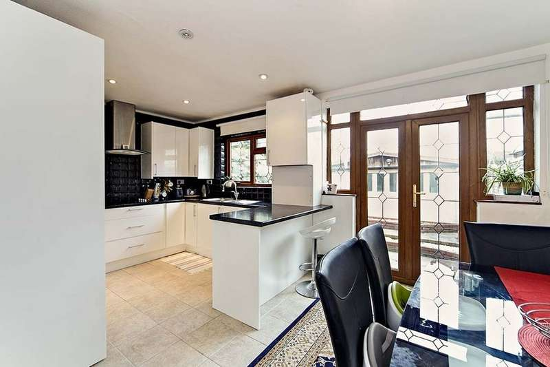 3 Bedrooms Property for sale in Chestnut Grove, Mitcham, CR4
