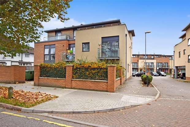 2 Bedrooms Flat for sale in Cherry Close, WEMBLEY