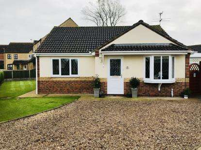 3 Bedrooms Bungalow for sale in Johnson Way, Burgh Le Marsh, Skegness, Lincolnshire