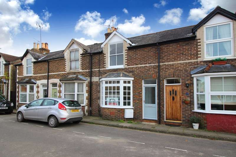 3 Bedrooms Terraced House for sale in Gorings Mead, Horsham