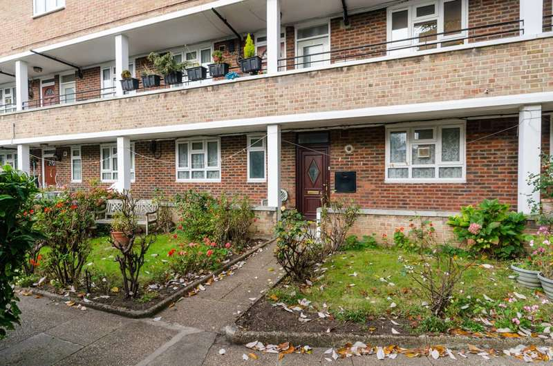 2 Bedrooms Flat for sale in Basuto Road, Parsons Green, SW6