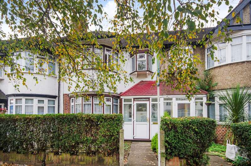 3 Bedrooms Terraced House for sale in Victoria Road, Ruislip, HA4