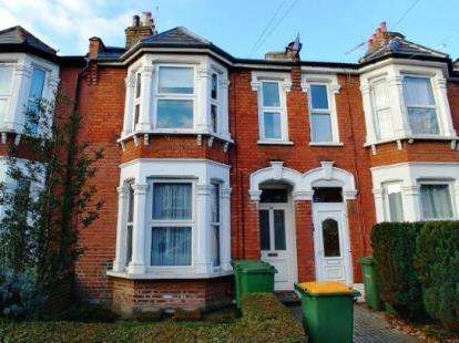 1 Bedroom Flat for sale in Manor Park, London