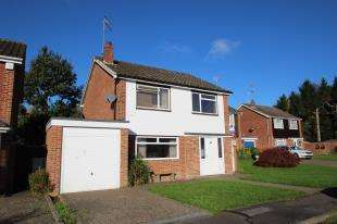 4 Bedrooms Detached House for sale in Beechey Close, Copthorne, Crawley, West Sussex