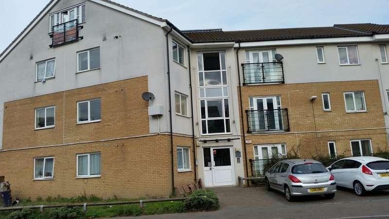 2 Bedrooms Flat for sale in Berengers Place, Dagenham