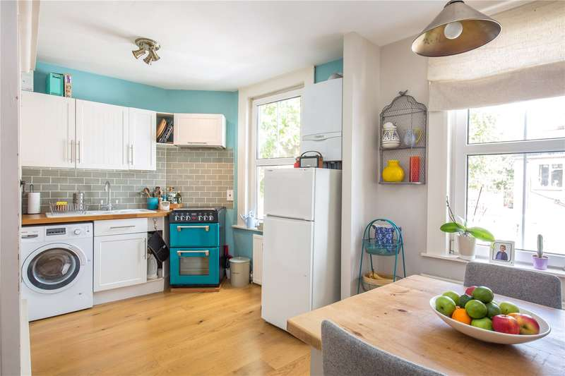 2 Bedrooms Maisonette Flat for sale in Nightingale Lane, Crouch End, London, N8