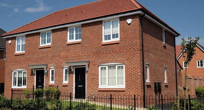 3 Bedrooms Semi Detached House for rent in Fernhurst Street, Chadderton