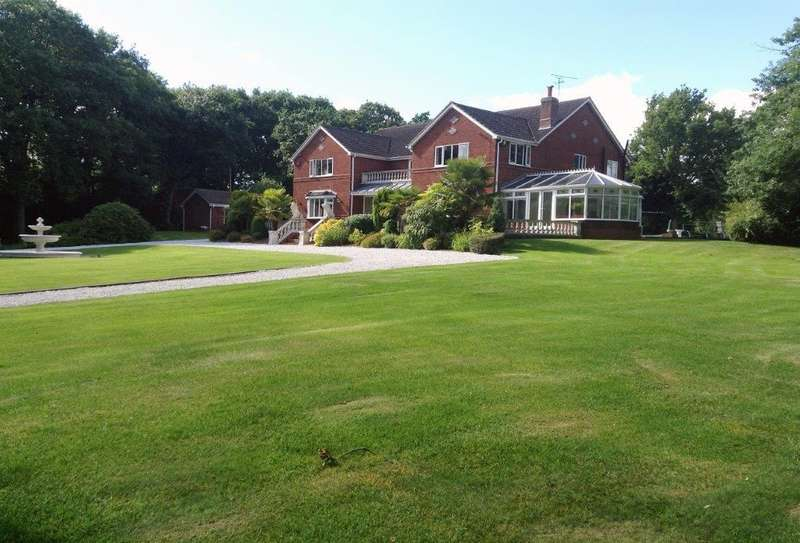 5 Bedrooms Detached House for sale in The Slough, Studley, Redditch, B97