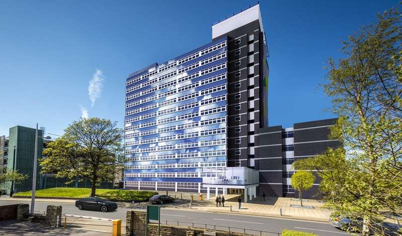 3 Bedrooms Apartment Flat for sale in Daniel House, Trinity Road, Bootle, L20