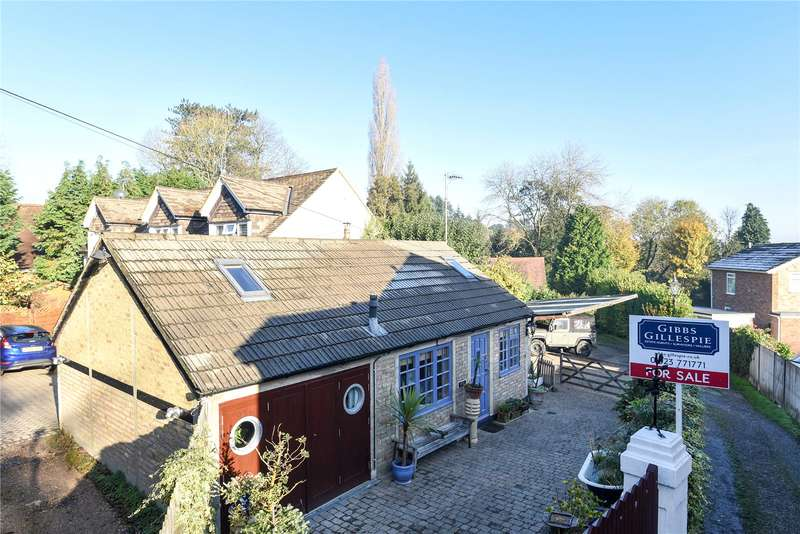 2 Bedrooms Detached Bungalow for sale in Heronsgate Road, Chorleywood, Rickmansworth, Hertfordshire, WD3