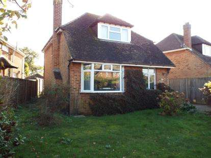 3 Bedrooms Detached House for sale in Stubbington, Hampshire