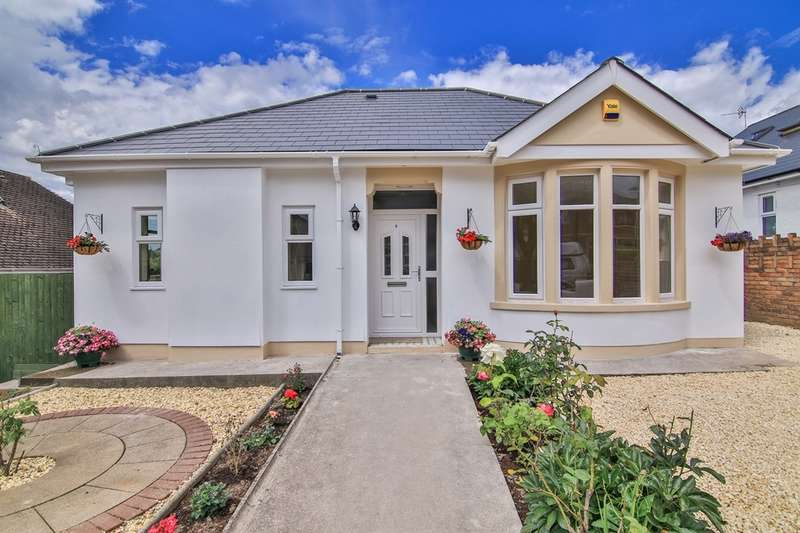 4 Bedrooms Detached Bungalow for sale in Manor Rise, Whitchurch, Cardiff