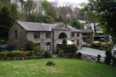 3 Bedrooms Property for rent in Ffordd Pennant, Eglwysbach