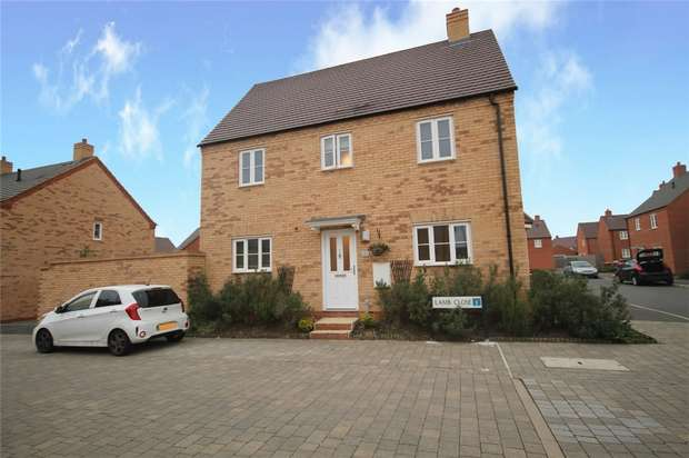 3 Bedrooms Detached House for sale in Lamb Close, Bedford