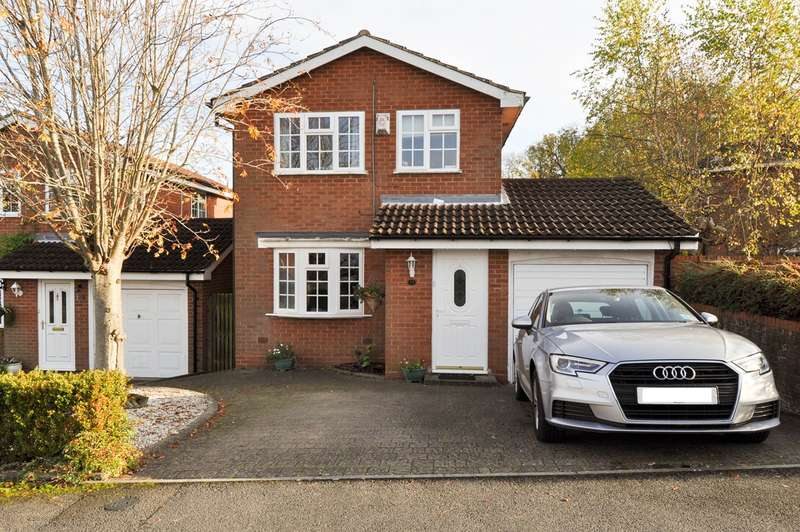 3 Bedrooms Detached House for sale in Stoneleigh Close, Redditch, B98