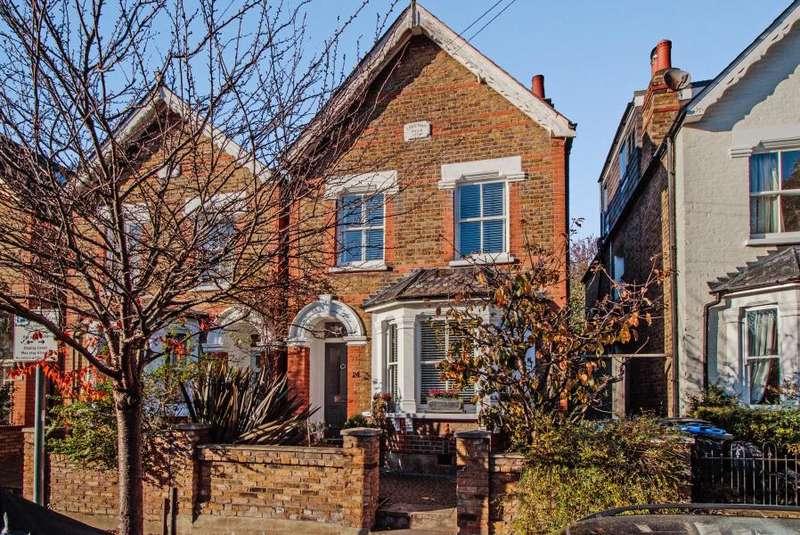 3 Bedrooms Detached House for sale in Eastbury Road, Kingston upon Thames KT2