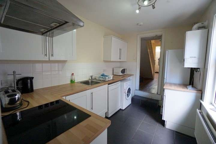 5 Bedrooms House for rent in Downend Road, Fishponds, BS16