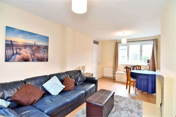 2 Bedrooms Terraced House for sale in Morrison Drive, Aberdeen