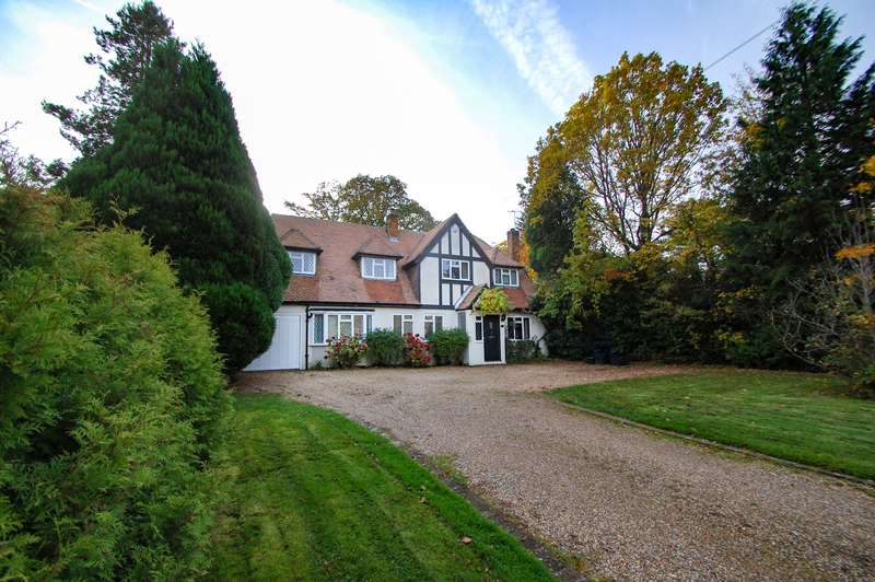 4 Bedrooms Detached House for sale in Howards Thicket, Gerrards Cross, SL9
