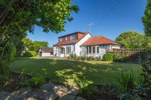 3 Bedrooms Detached House for sale in Limmer Lane, Felpham, Bognor Regis, West Sussex