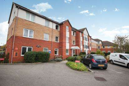 1 Bedroom Retirement Property for sale in Hughes Court, Lucas Gardens, Luton, Bedfordshire