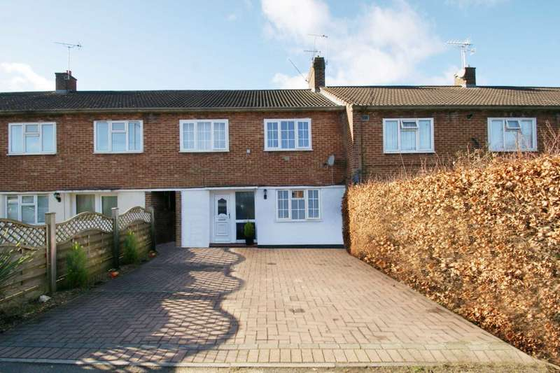 4 Bedrooms Terraced House for sale in 4 BED EXTENDED FAMILY HOME WITH OFF ROAD PARKING