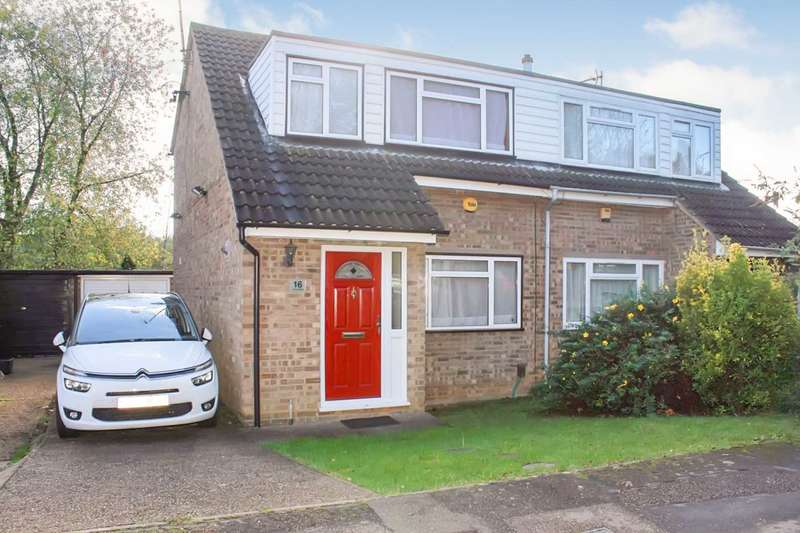 3 Bedrooms Semi Detached House for sale in SPACIOUS and WELL PRESENTED 3 BEDROOM SEMI DETACHED with GARAGE and DRIVEWAY in HP2