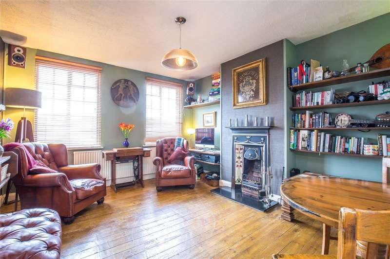 2 Bedrooms Apartment Flat for sale in Thornfield Court, Holders Hill Road, Mill Hill, London, NW7