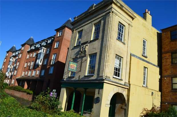 2 Bedrooms Flat for sale in Quay Street, Gloucester