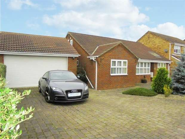 4 Bedrooms Detached Bungalow for sale in Twickenham Court, Seghill, Cramlington, Northumberland
