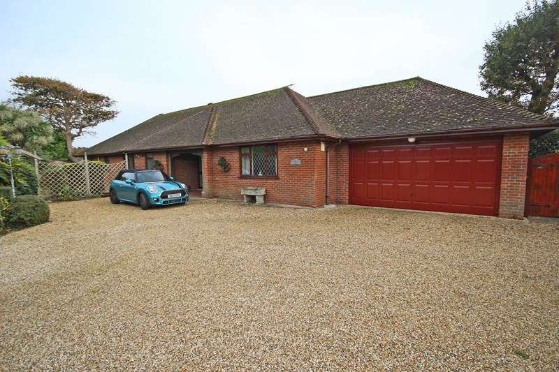 4 Bedrooms Detached Bungalow for sale in Highlands Road, Barton On Sea, New Milton