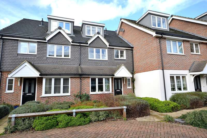 4 Bedrooms Terraced House for sale in Walton on Thames