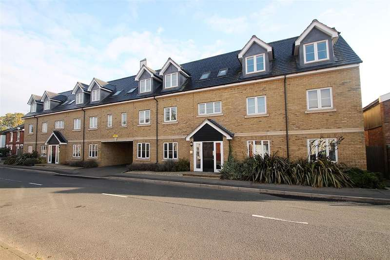2 Bedrooms Apartment Flat for sale in Wheelwright Place, Mile End, Colchester