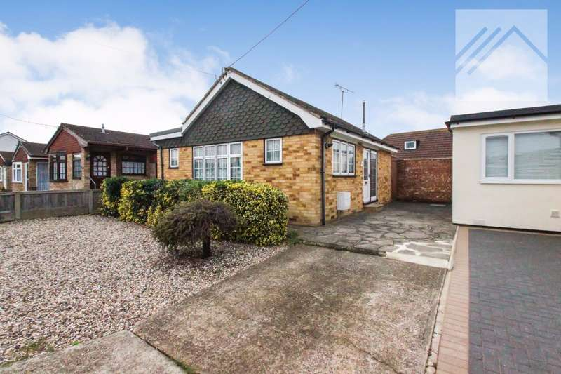 1 Bedroom Bungalow for sale in Kamerwyk Avenue, Canvey Island - BIGGER THAN YOU THINK