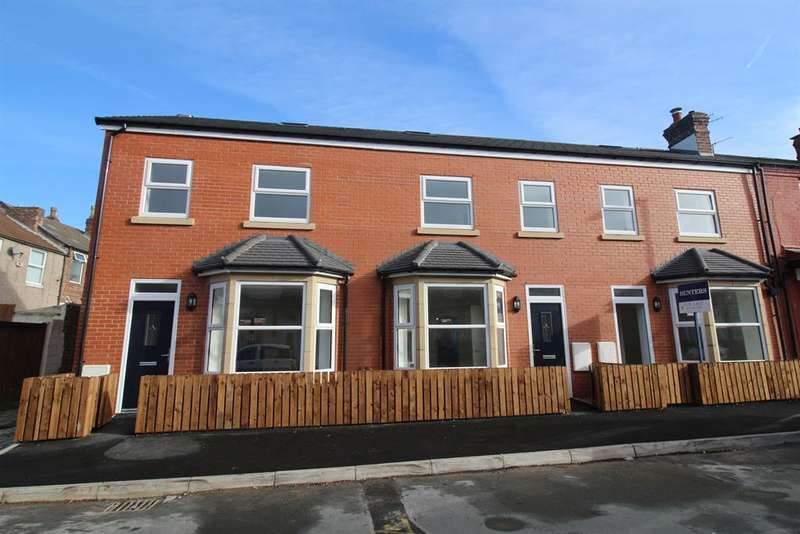 3 Bedrooms Town House for sale in Russell Road, Wallasey, Wirral, CH44 2DD