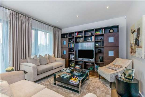 3 Bedrooms Terraced House for sale in The Crescent, Gunnersbury Mews, Chiswick